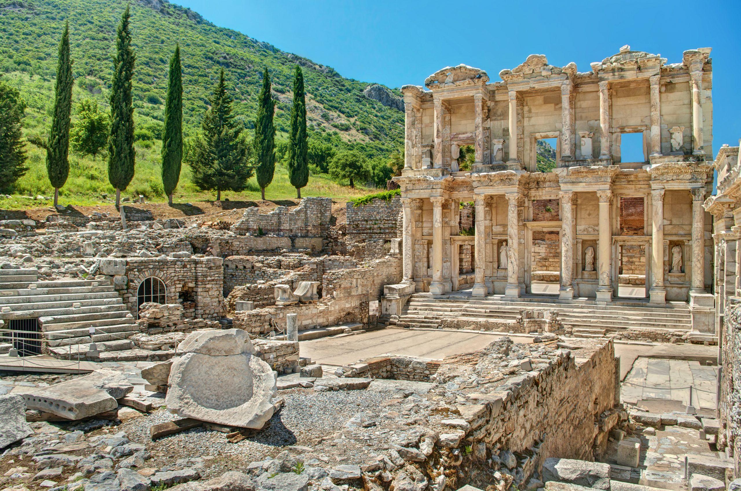 Ephesus-Ancient-City-Izmir-Turkey-4